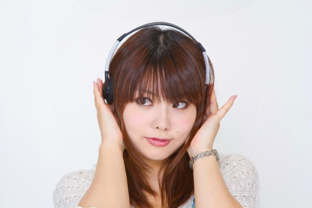 https---www.pakutaso.com-assets_c-2015-05-N112_headphone-thumb-1000xauto-14456